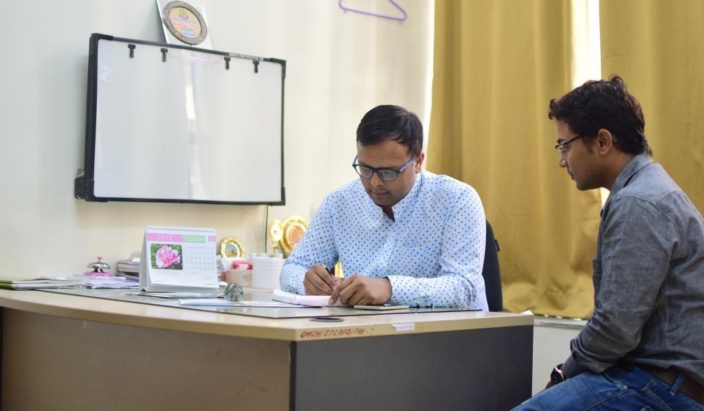 dr devendra dhaker